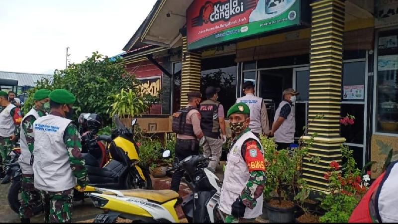 Razia Gabungan Prokes di Kawasan Ulee Kareng