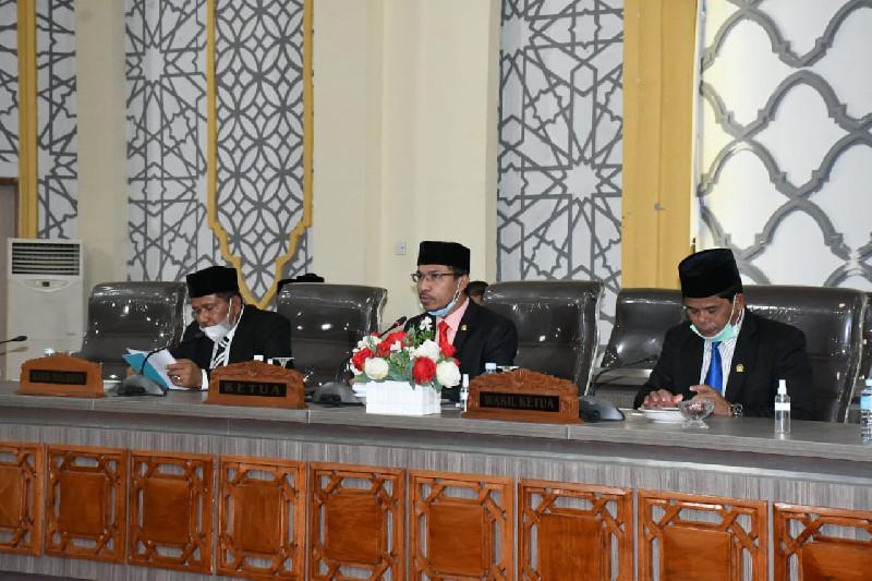 Jelang Akhir Tahun DPRK Banda Aceh Sahkan Tiga Raqan
