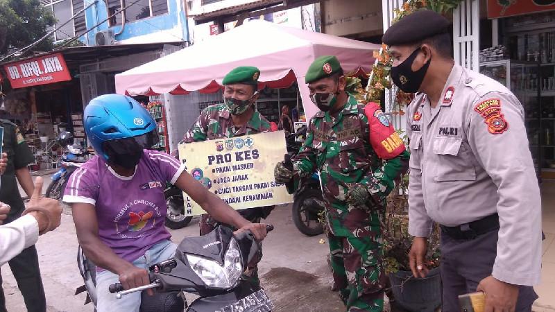 Cegah Covid-19, Personil Koramil 11/Darul Imarah Laksanakan Patroli Protokol Kesehatan