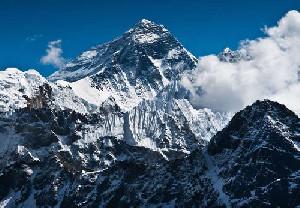 Cina dan Nepal Sepakati Tinggi Mount Everest 8.848 Meter