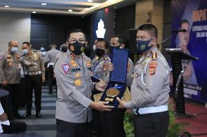 Dirlantas Polda Aceh Terima Penghargaan dari Kakorlantas Polri
