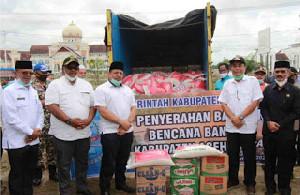 Pemkab Pidie Jaya Salurkan Bantuan Korban Banjir di Aceh Utara dan Aceh Timur
