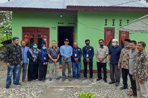 Tgk Amran Serahkan Bantuan SPS dari Kementerian PUPR
