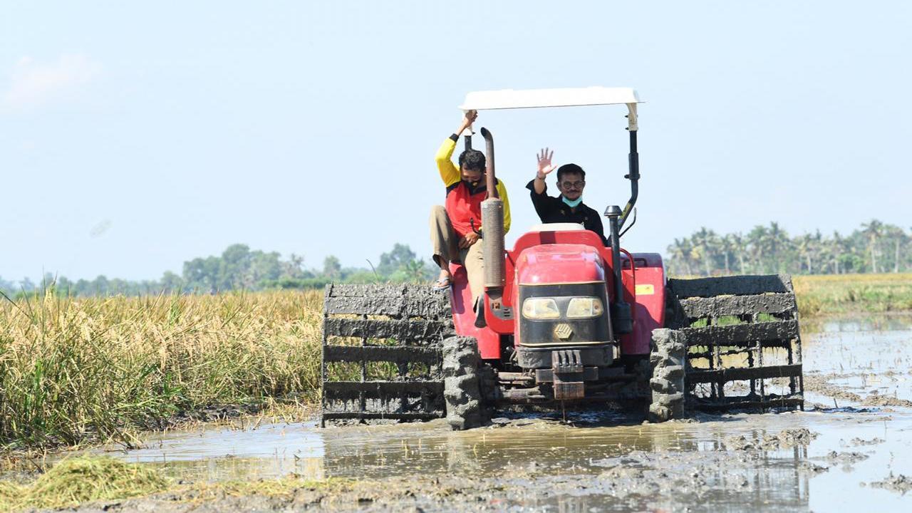 Kementan Berikan Bantuan Aceh Selatan Alsintan 7 Hand Traktor