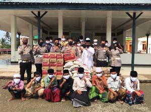 Giliran Dayah Mini yang Mendapatkan Bantuan Sembako Dirlantas Polda Aceh