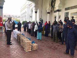 Seluruh Elemen Penggerak  Masjid Raya Baiturahman Dapat Sembako Dari Ditlantas Polda