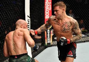 Dustin Poirier Kalahkan Conor McGregor di UFC 257