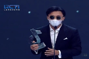 Penyanyi Rizky Febian, Dapat Penghargaan Musician Creator TikTok Awards Indonesia 2020