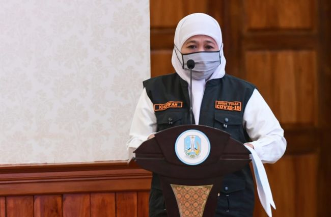 Gubernur Jawa Timur, Tetap Jalankan Tugas Pemerintahan Walau Terpapar Covid-19