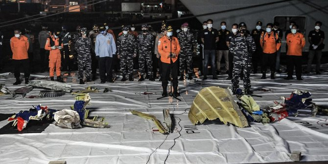 Basarnas Evakuasi 74 Kantong Jenazah Terkumpul dalam Pencarian Sriwijaya Air