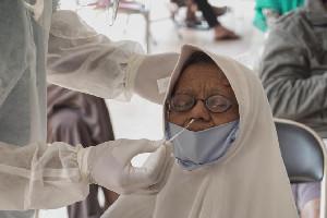 Hari Ini Vaksinasi Nakes Lansia Dimulai