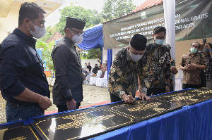 Gubernur Nova Resmikan Penggunaan Tujuh Asrama Mahasiswa Aceh di Pulau Jawa dan Sumatera