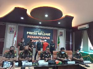Tim Tabur Kejati Aceh Tangkap Buron 4 Tahun Kasus Korupsi Renovasi Studio