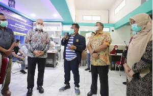 Walikota Banda Aceh bersama Sekda Aceh Pantau Vaksinasi Covid-19 di RS Meuraxa