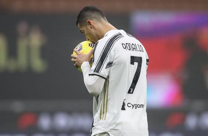 Waduh, Juventus Lepas Cristiano Ronaldo Seharga di Bawah Messi?
