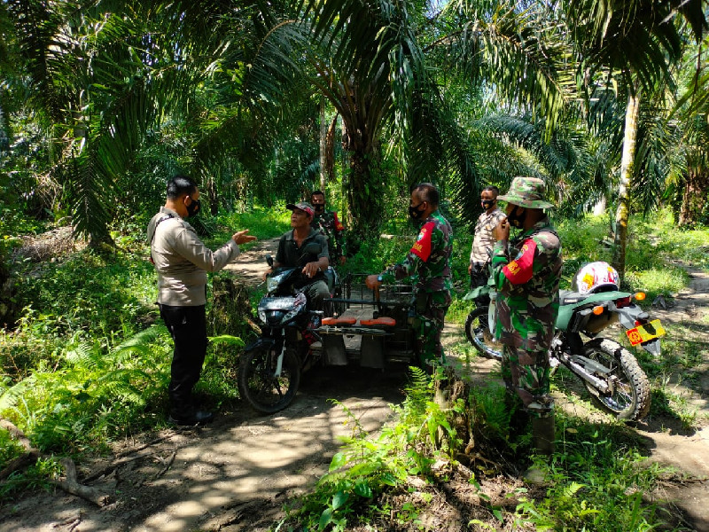 Waspada Bahaya Karhutla, Koramil dan Polsek Kuala Batee Intensifkan Patroli dan Sosialisasi