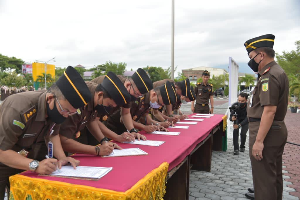 Teken Komitmen Bersama, Kejati Aceh Terapkan Zona Integritas