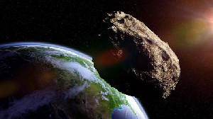Asteroid Raksasa Mendekati Bumi