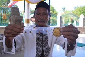 Sultan Mahmud MalikAz-Zahir Pelopor Mata Uang Emas Dunia