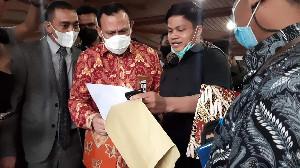 Di Depan Ketua DPRA, FKRA Serahkan Surat Terbuka ke Ketua KPK