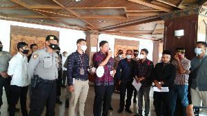 Anggota DPRA Jumpai Peserta Aksi, Nyatakan Siap Tampung Tuntutan