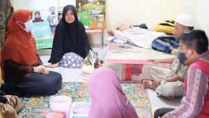 Legislator Wanita DPRD Riau Ini Bantu Advokasi Pengobatan Guru Ngaji Terkena Kanker