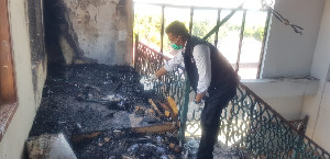 Lantai Tiga Sebelah Barat Kantor Bupati Bireuen Terbakar
