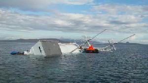 Kapal China Terbalik, Lima Awak Masih Dicari