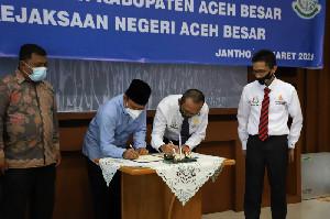 Minimalisir Persoalan Hukum, Pemkab Aceh Besar Teken MoU dengan Kejari
