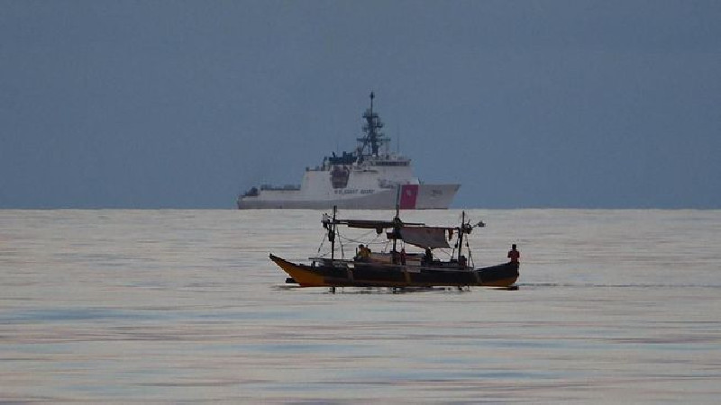 Usir Nelayan China di LCS, Filipina Kirim Kapal Perang
