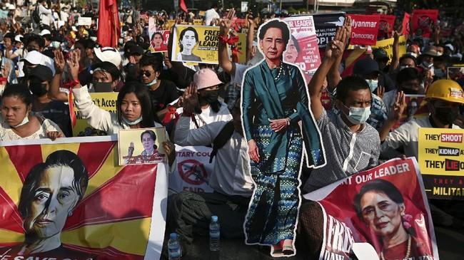 Polisi Myanmar Lepas Tembakan, Satu Demonstran Tewas