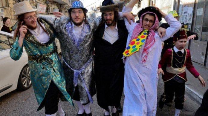 Rayakan Festival Purim, Kaum Yahudi Radikal Terobos Masuk Al Aqsa