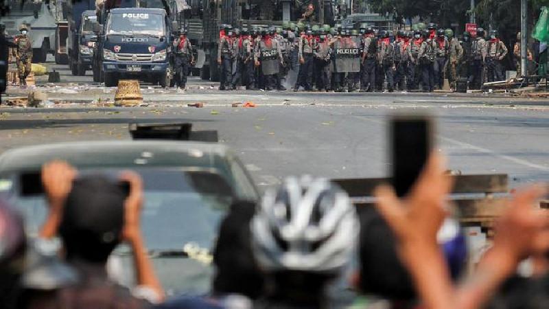 5 Perusahaan Media Dicabut Izin Oleh Junta Militer Myanmar