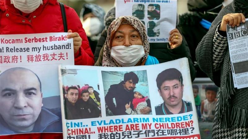 Terkait Kejahatan HAM Uighur, Uni Eropa Kenakan Sanksi China