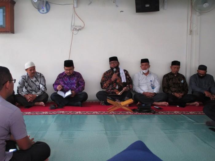 Ketua MPU Lhokseumawe Isi Pengajian Ramadhan di Kemenag Lhokseumawe