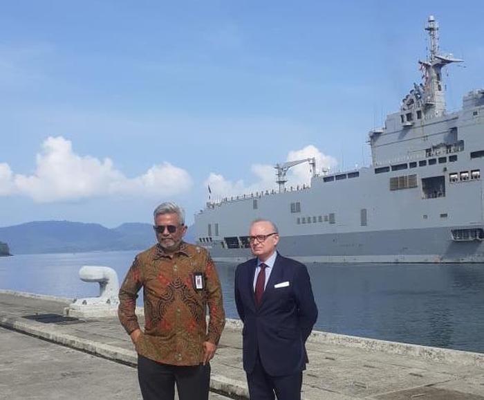 Duta Besar Prancis Bersama Dua Kapal Perangnya Bersandar Di Sabang