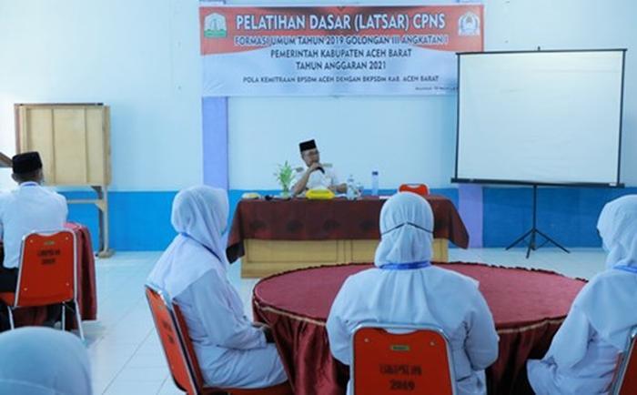 Bupati Aceh Barat berikan materi kepada CPNS Gol III Gelombang Pertama