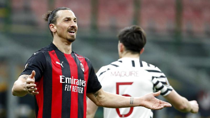 Zlatan Ibrahimovic Kontrak Diperpanjang AC Milan, Ini Responnya