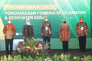 Kemnaker Beri Penghargaan K3 Tahun 2021 kepada Gubernur dan Perusahaan
