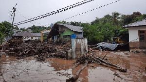 Korban Banjir Bandang Flores Bertambah