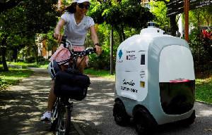 Robot Pengantar Belanja Siap Layani Pelanggan di Singapura