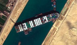 Belum Bayar Kompensasi $900 Juta, Kapal Kargo Ever Given Disita Mesir