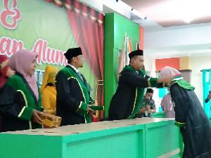 Pesantren Terpadu Almuslim Gelar Wisuda Perdana, Satu Orang LulusCumlaude