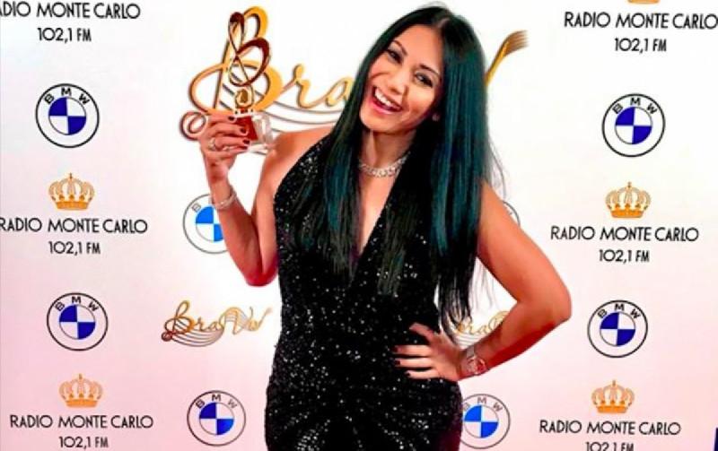 "Anggun C Sasmi Dapat Penghargaan Musik untuk Lagu ""Caruso"" di Rusia"