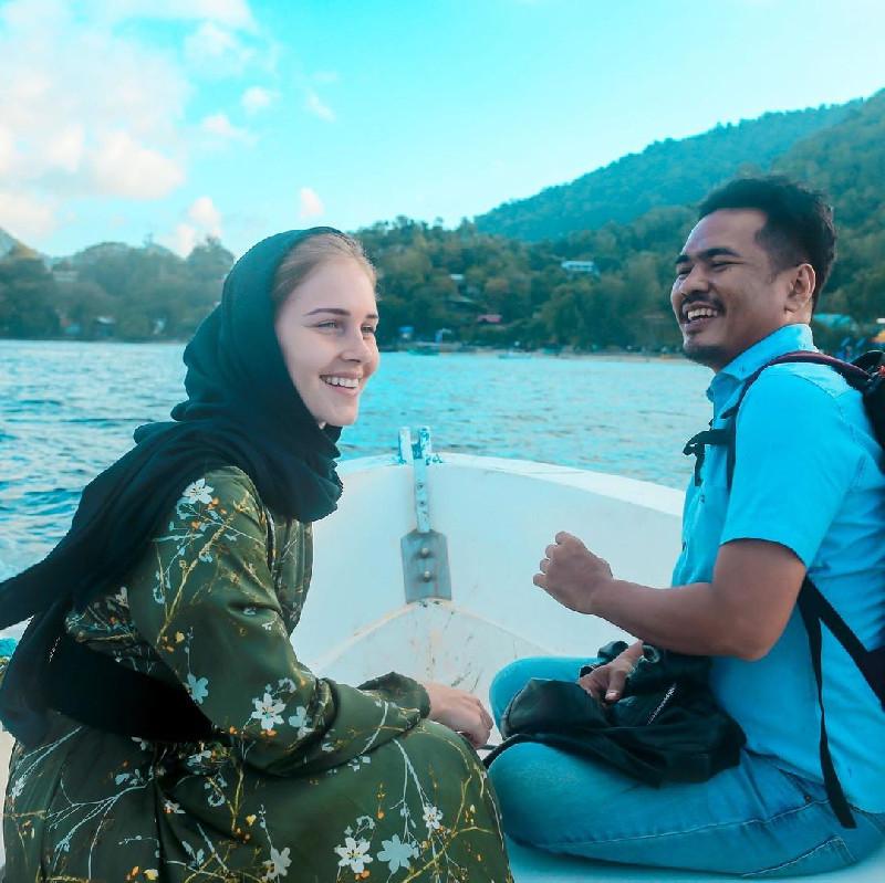 Kisah Viral Model Prancis Menikah Dengan Putra Aceh