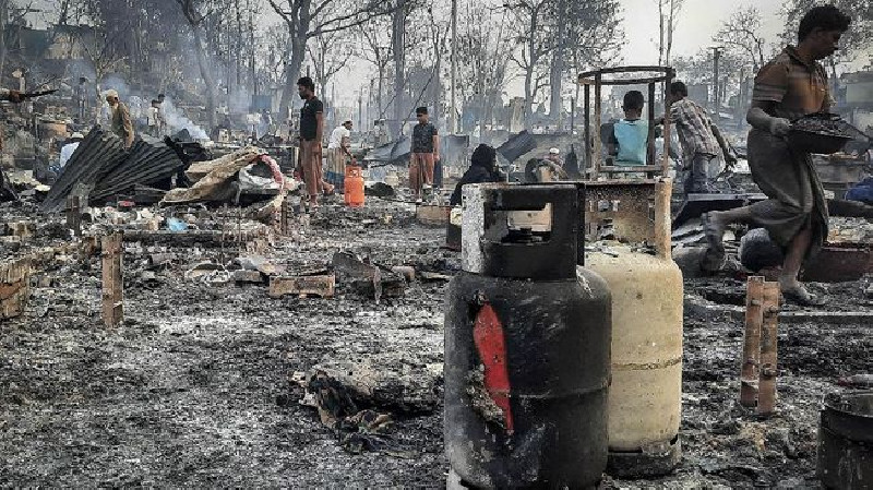 Kamp Rohingya Kembali Terbakar, Satu Bocah Tewas