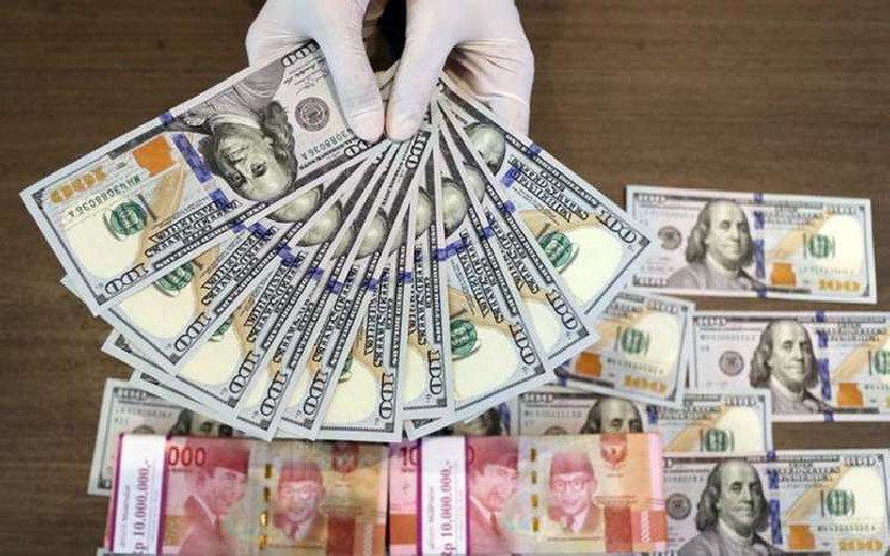 Posisi Rupiah Melemah Kian di Tekan Dollar