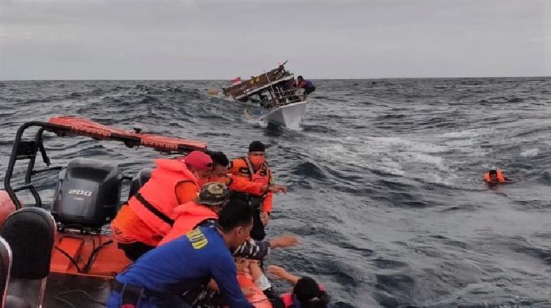 Tujuh Orang Hilang dan Satu Tewas Akibat Kecelakaan Kapal di Jambi
