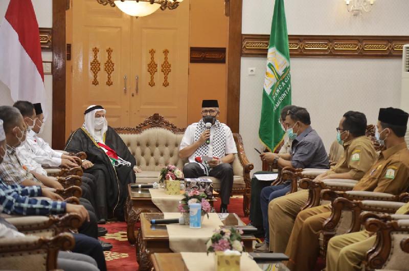 Bantu Palestina, Pemerintah Aceh Serahkan Dana Rp374 Juta kepada KNRP