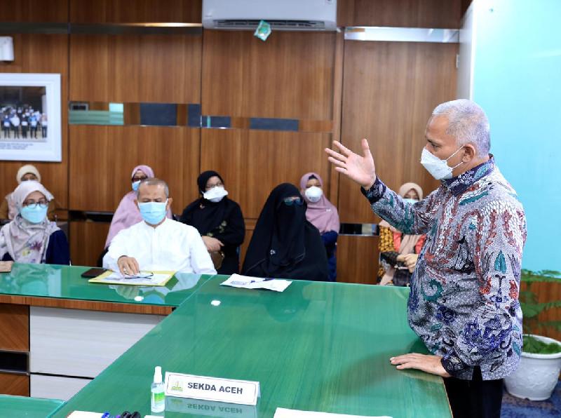 Tingkatkan Pelayanan RSUDZA, Sekda Aceh Ingatkan Jaga Kesolidan Tim